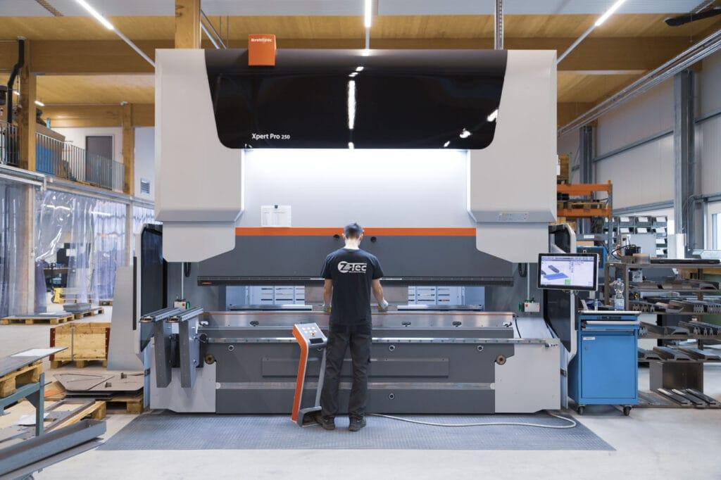 Z-Tec Metallbearbeitung AG Abkanten